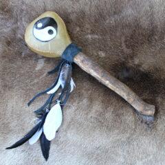Ritualrassel Yin Yang Magische Werkstatt Produktbild